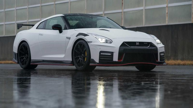 Cover for 2020 Nissan GT-R Nismo hits 60mph in 2.48 seconds!