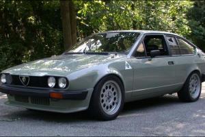 Picture of Alfa Romeo Alfetta GTV6