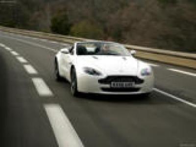 Image of Aston Martin V8 Vantage Roadster