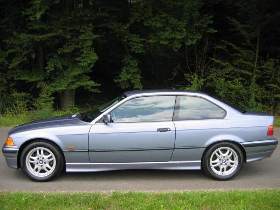 Image of BMW 328i