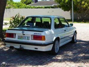 Photo of BMW 333i E30