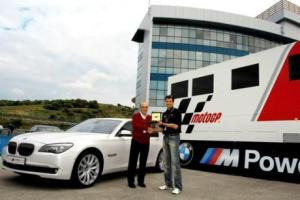 Picture of BMW 750i