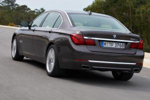 Picture of BMW 750i (450 PS)