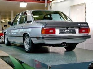 Photo of BMW M 535i E12