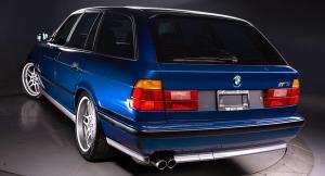 Photo of BMW M5 Touring  E34