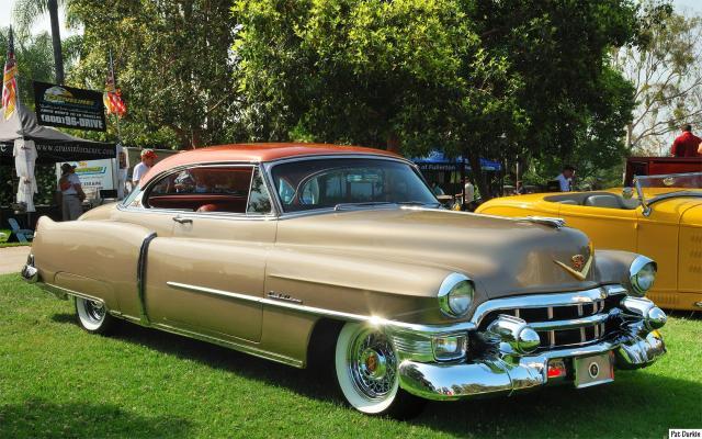 Image of Cadillac de Ville Coupe