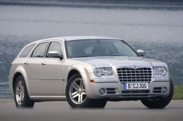Image of Chrysler 300C SRT-8 Touring