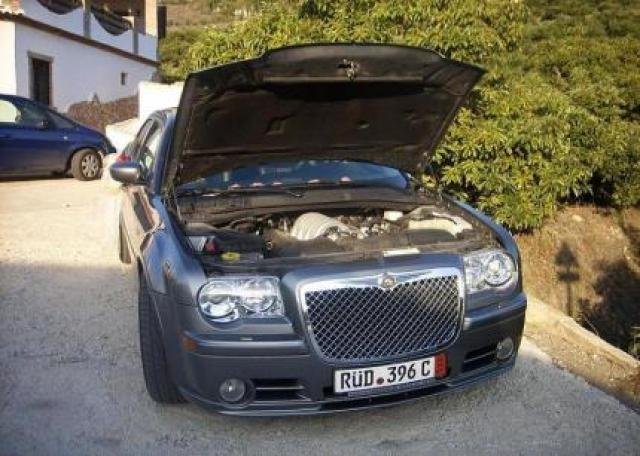 Chrysler 300C SRT8 HEMI Sedan Laptimes, Specs, Performance