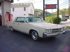 Chrysler Imperial Crown 4 Door