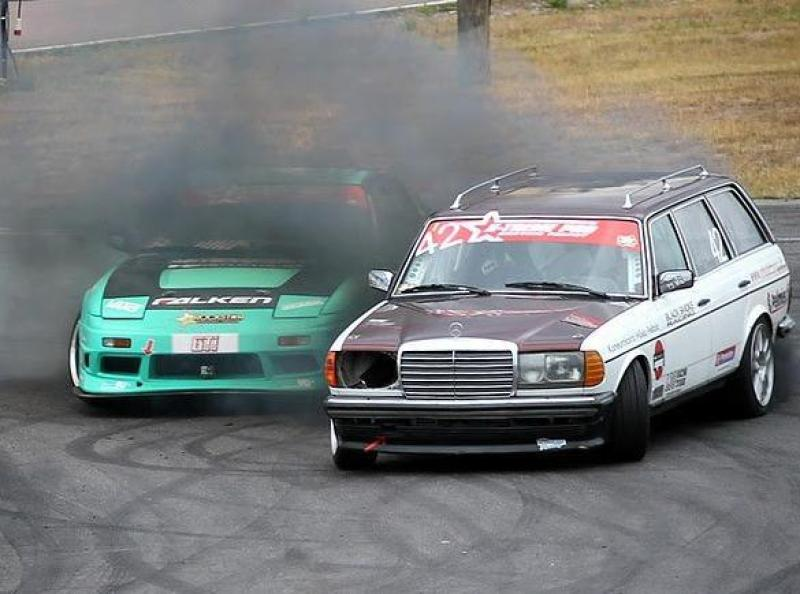 Cover for Diesel poweeer! W123 Estate showing how it's done.