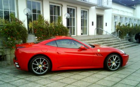 Ferrari California Gt Specs 0 60 Quarter Mile Lap Times Fastestlaps Com