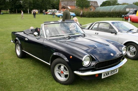 Image of Fiat Spider 2000