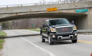 Photo of GMC Sierra 2500 HD Denali 4x4 Crew Cab