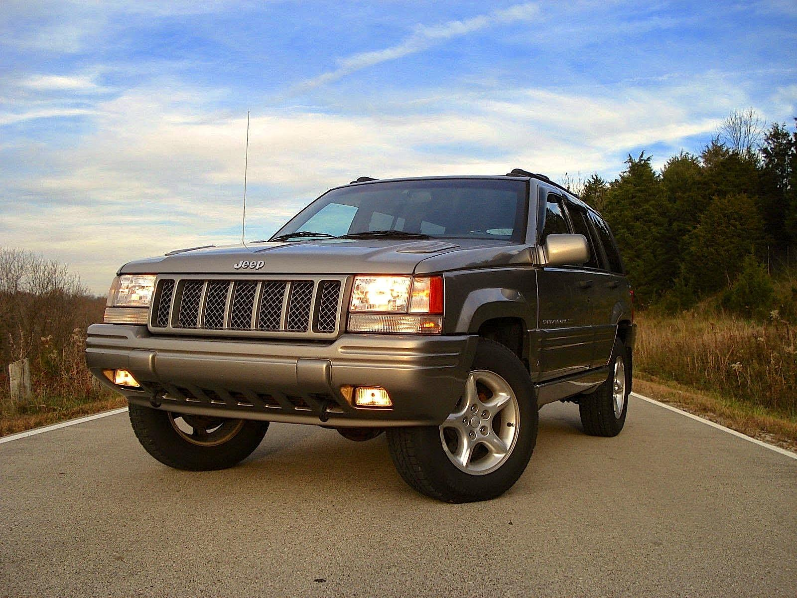 Jeep Grand Cherokee Limited LX ZJ laptimes specs performance data