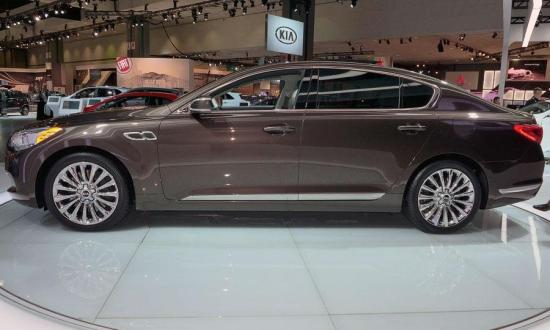 Image of Kia K900 V8