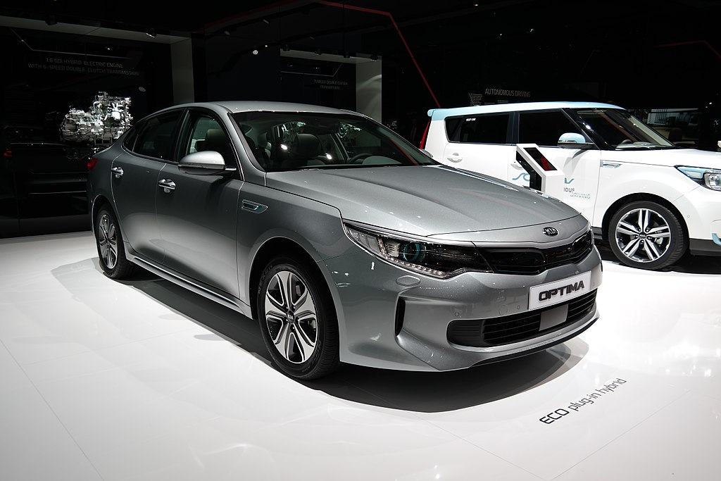 Kia Optima Plug-In Hybrid SW specs, performance data ...