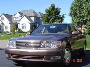 Photo of Lexus LS 400