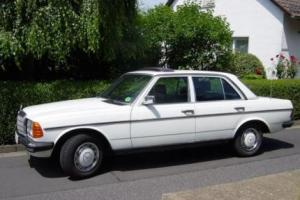 Picture of Mercedes-Benz 230E (W123)