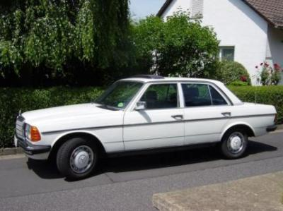 Image of Mercedes-Benz 230E