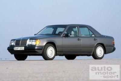 Image of Mercedes-Benz 300 D Turbo