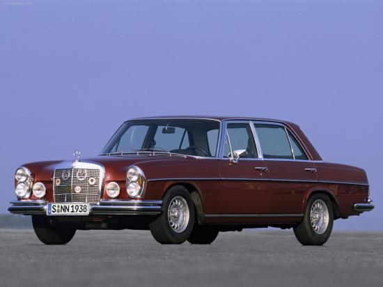 Image of Mercedes-Benz 300 SEL 6.3 AMG