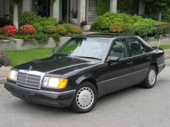 Image of Mercedes-Benz 300E