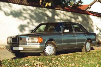 Image of Mercedes-Benz 560 SEL