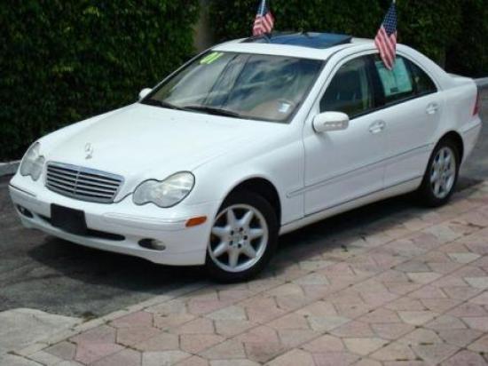Image of Mercedes-Benz C320
