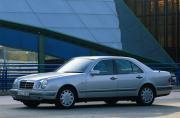 Image of Mercedes-Benz E 320