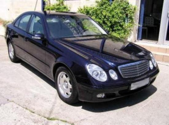 Image of Mercedes-Benz E 350