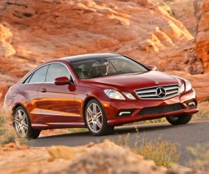 Picture of Mercedes-Benz E 500 Coupe