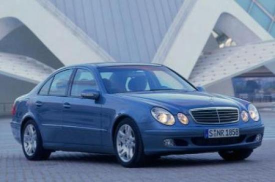 Image of Mercedes-Benz E 500