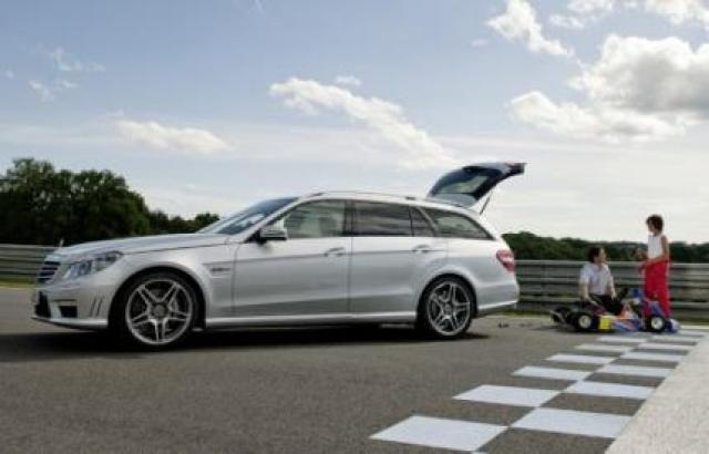 Image of Mercedes-Benz E 63 AMG T