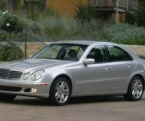 Picture of Mercedes-Benz E320
