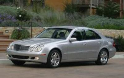 Image of Mercedes-Benz E320