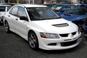 Picture of Mitsubishi Lancer Evolution VIII RS