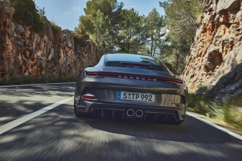 Cover for New Porsche 911 GT3 Touring revealed
