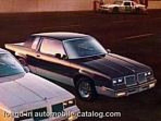 Image of Oldsmobile Cutlass 442