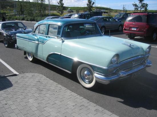 Image of Packard Clipper Custom 4-Door Sedan