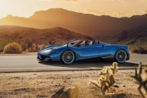 Picture of Pagani Huayra Roadster