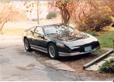 Image of Pontiac Fiero GT