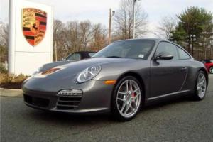 Picture of Porsche 911 Carrera 4S