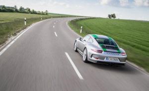 Photo of Porsche 911 R 991
