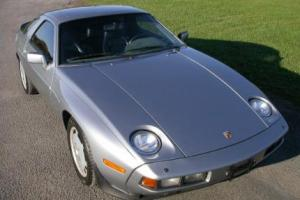 Picture of Porsche 928 S (310 PS)