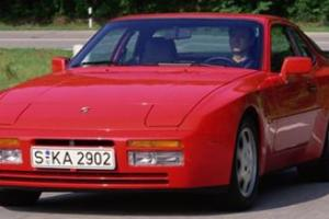 Picture of Porsche 944 S2