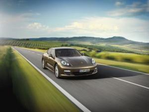 Photo of Porsche Panamera 4 V6