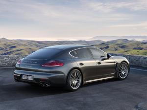 Photo of Porsche Panamera 4S Mk I facelift