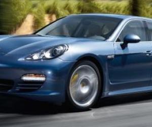 Picture of Porsche Panamera 4S (Mk I)