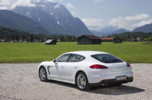 Photo of Porsche Panamera S E-Hybrid