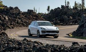 Photo of Porsche Cayenne Turbo S E-Hybrid